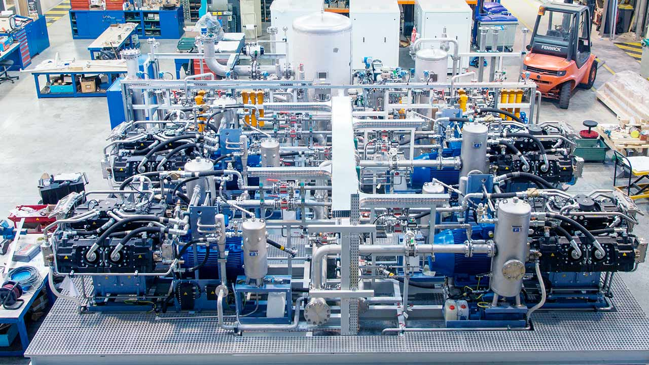 Sauer Compressors: High-Pressure Air and Gas Compressors